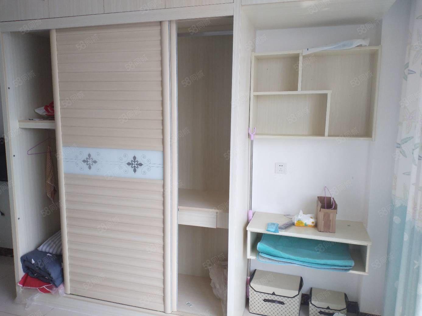 麒龙国际D23栋单身公寓出租,家电齐全,拎包入住