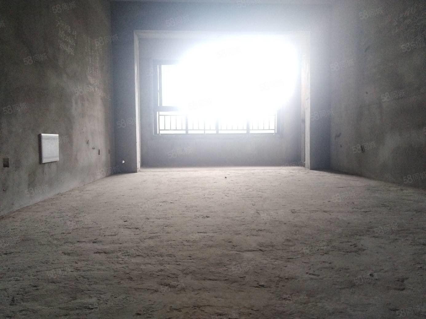 西城郡三期現房,6180每平清水三室,可按揭!