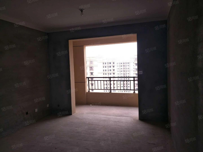 益興名流,四房兩廳兩衛135,毛坯房,17樓120萬