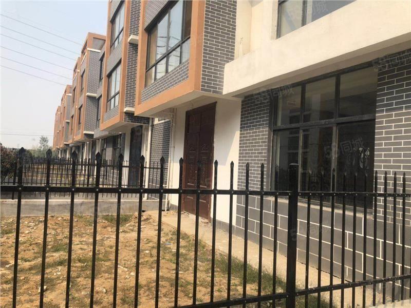 江南茶城265平100万免过户费3层别墅带院带两个车位