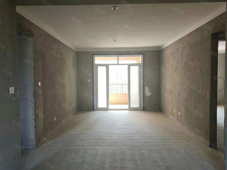 左岸小镇洋房东边户,四室,全天采光,房产证已下,随时过户