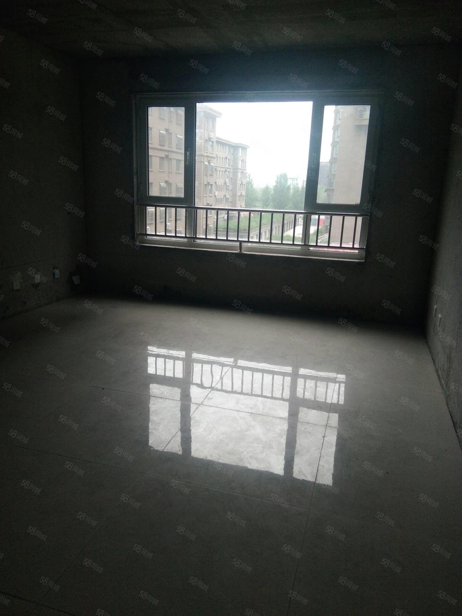 急售 春晖佳苑电梯房 三室 115平 六千多一平 可分期