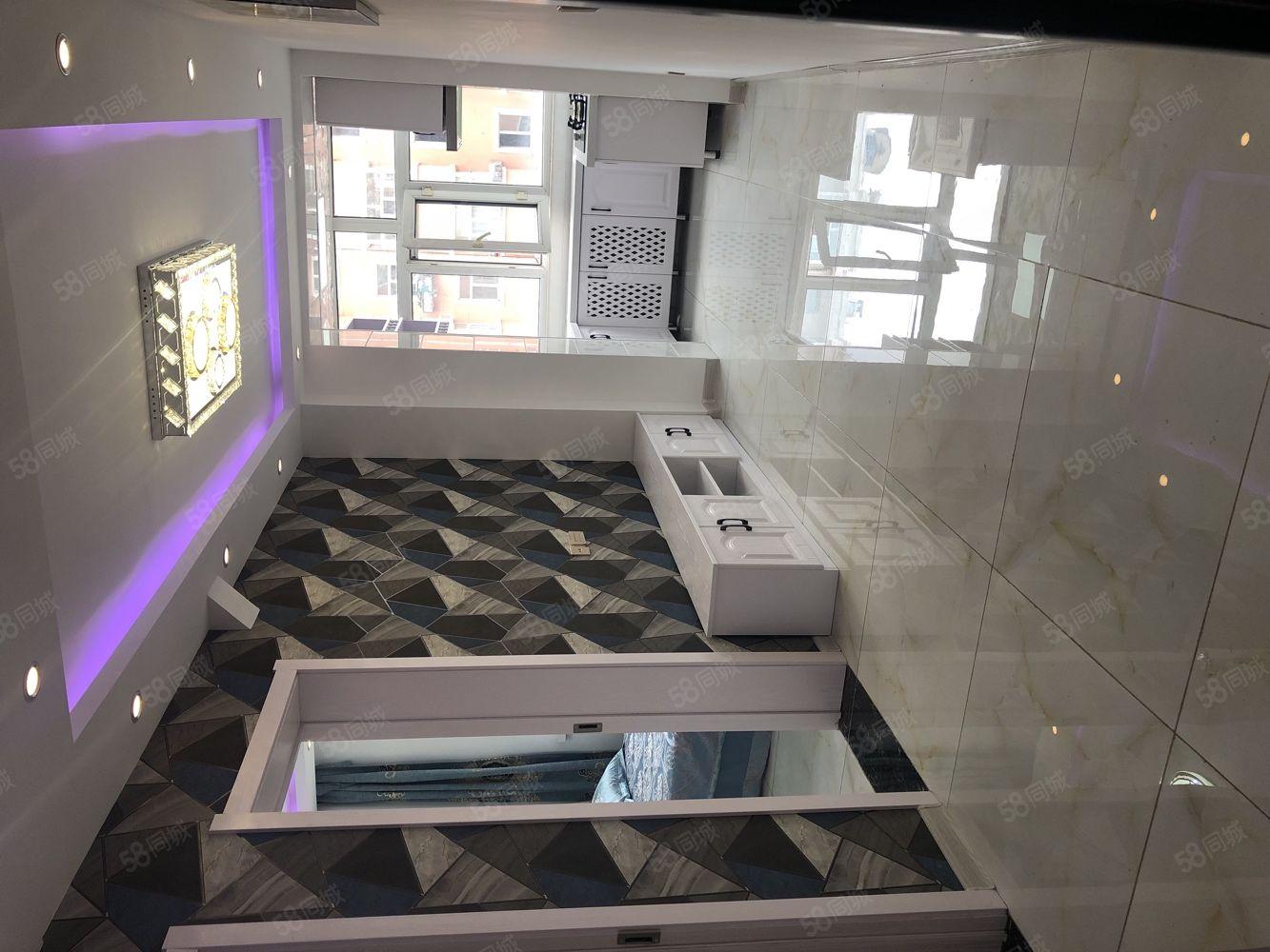 新合家园,51平两室一厅精装修,21.5万,首付3万