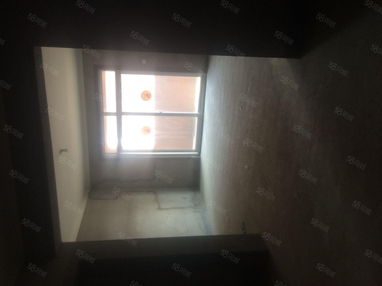 银通苑26楼2室毛坯有证能贷款