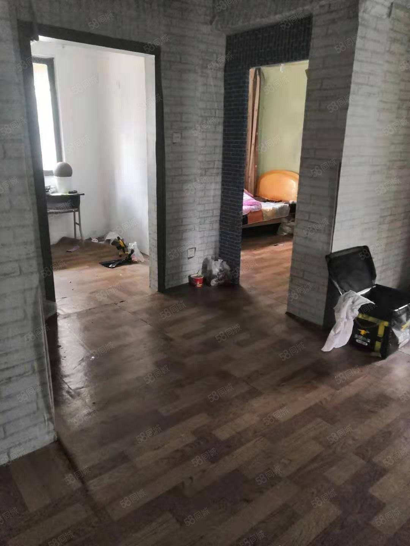 学林雅苑毛坯89平4楼可做三室