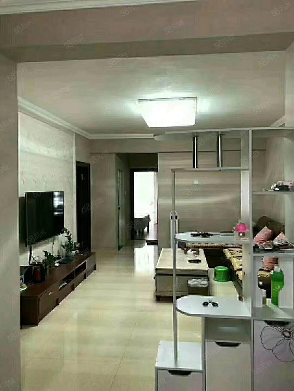 天和嘉园电梯套房出售:南北通透产权面积约108平方米,精装修