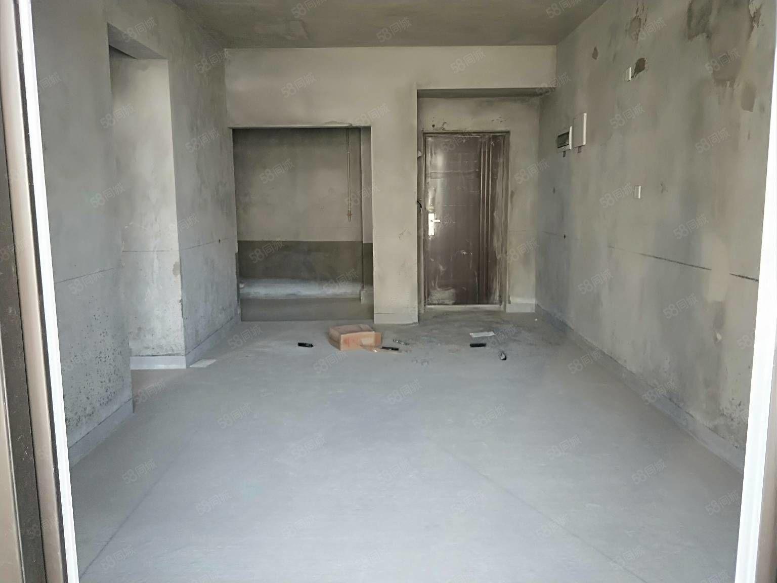 马赛庄园正宗2房可改3房76平米中间楼层48.8万