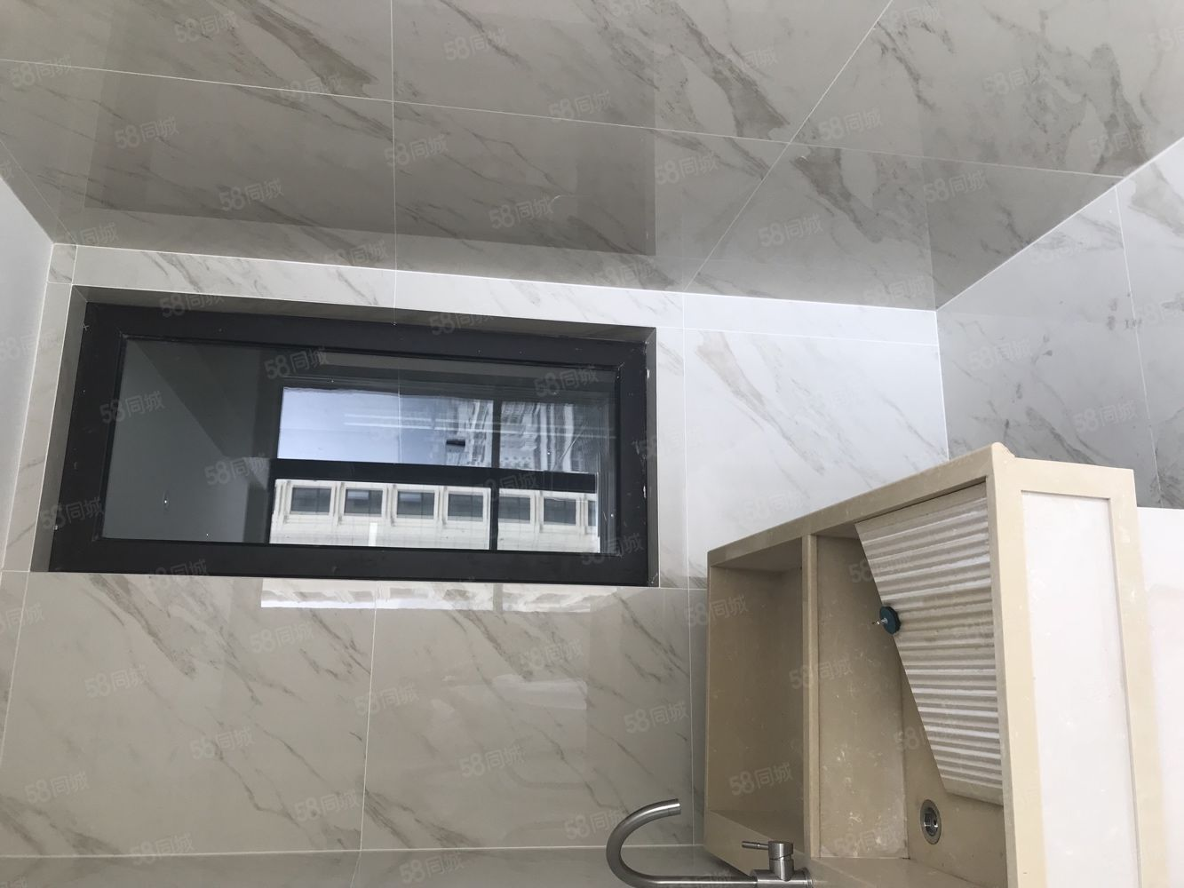 滨江壹号90平方已装修2室2卫1厨115万