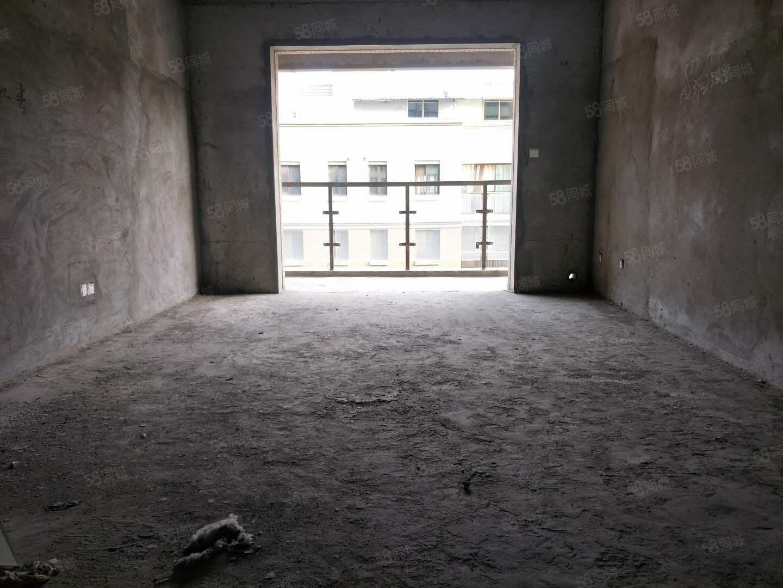 急售!万达熙龙湾电梯6楼有证可分期阳光刺眼!