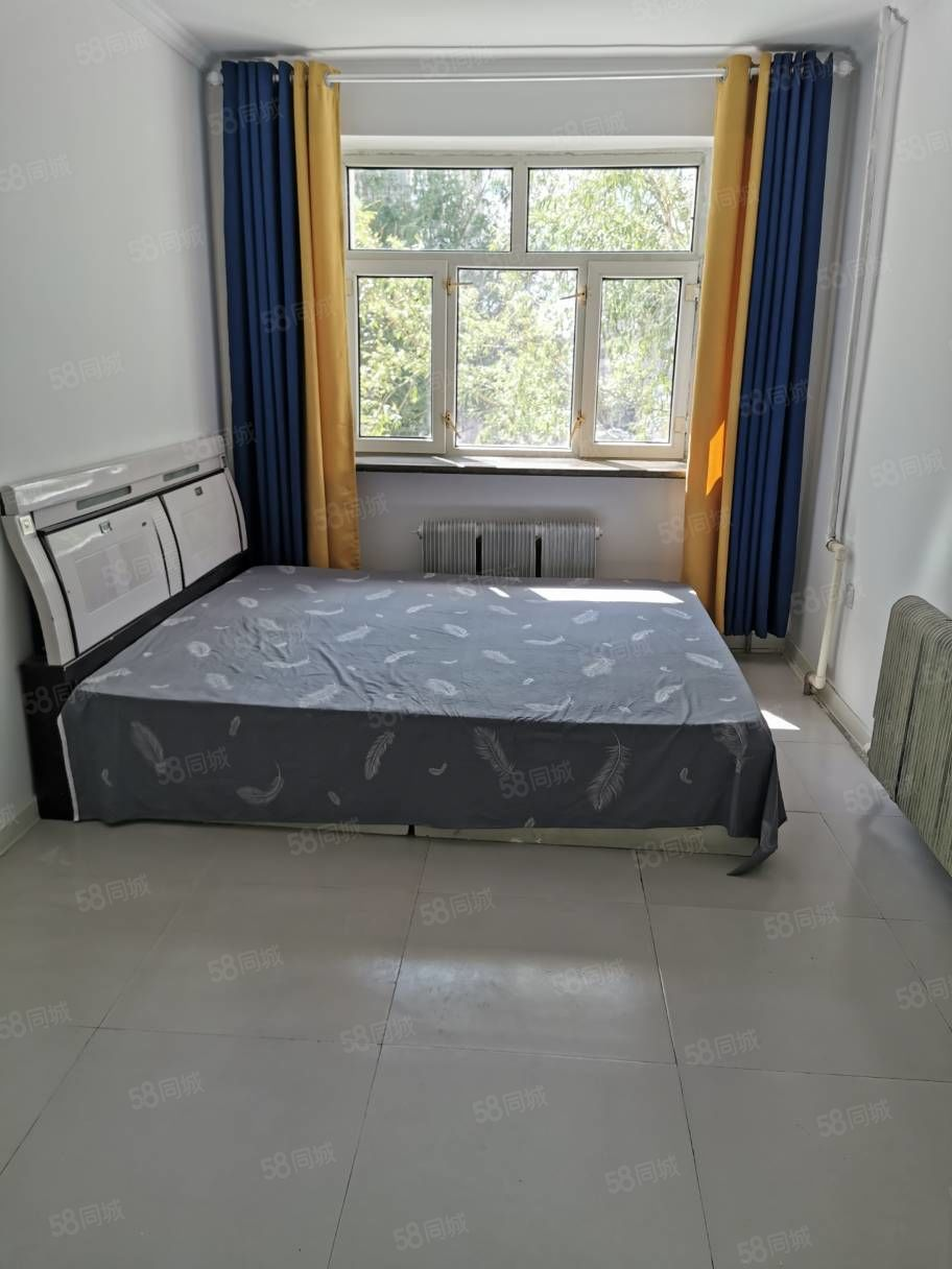 零首付景新小区新楼拎包入住中等装修屋里干净拎包入住