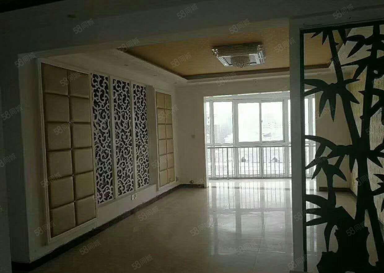出售食博园复试9楼和6楼精装修5室2厅2卫