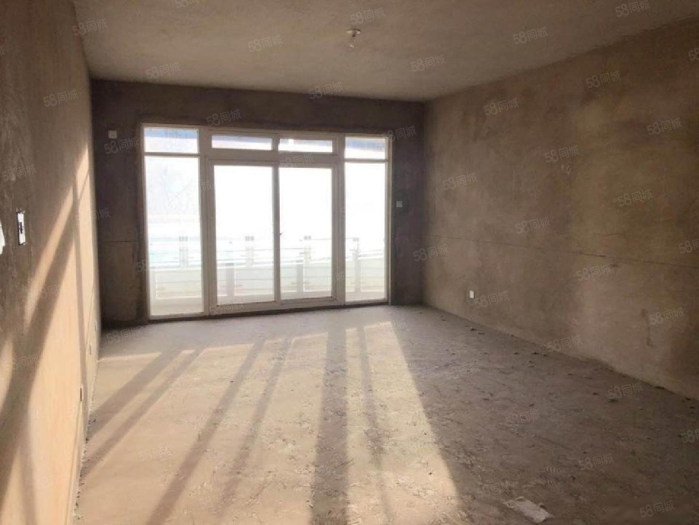 玉溪二小区139方正户型带阳台带车位13楼毛坯3房106低售