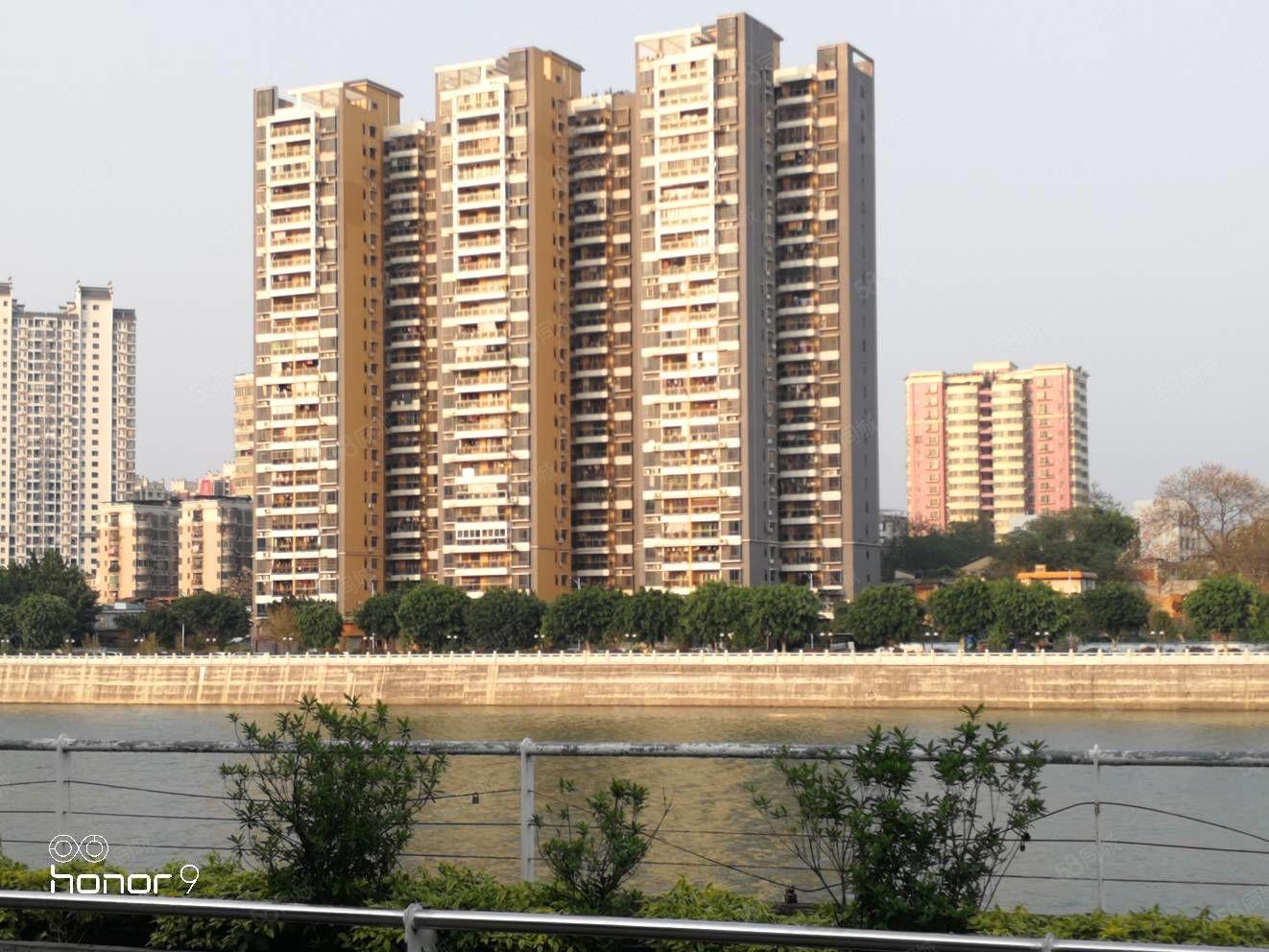 东河电梯全江景大四房精致装修看青山绿水长流