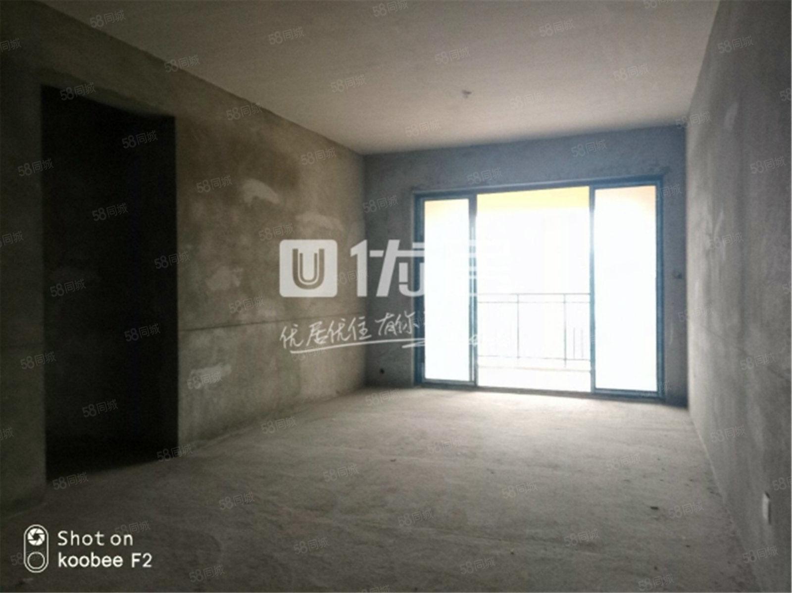 带车位,乐湾首府精致三居室,产权在手,可按揭