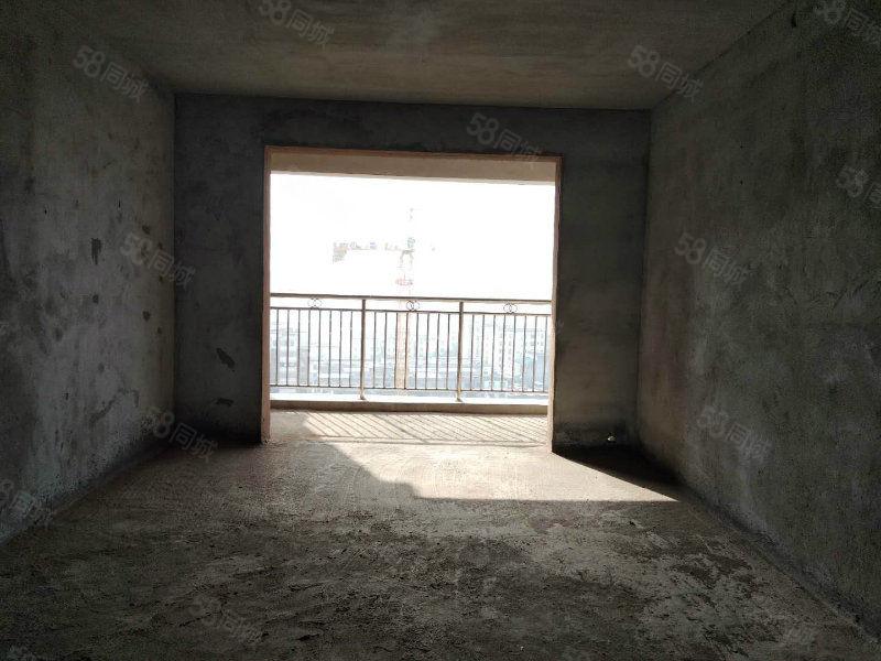 新出潜山锦绣潜阳毛坯三房阳光充足南北通透中间楼层。