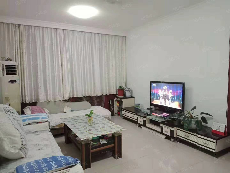 富海花园100平三楼带地下室年租14000元