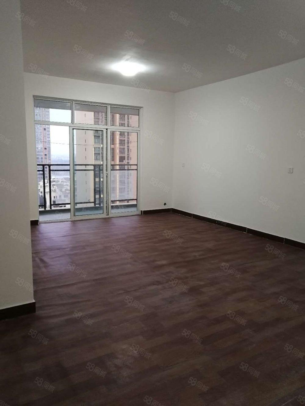 卡斯迪亚三室两厅一卫,精装修,可办公居住。