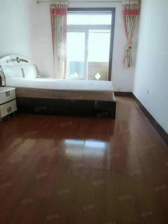 光明二区4楼101平两室一厅南北通透中等装修有角带家具37万
