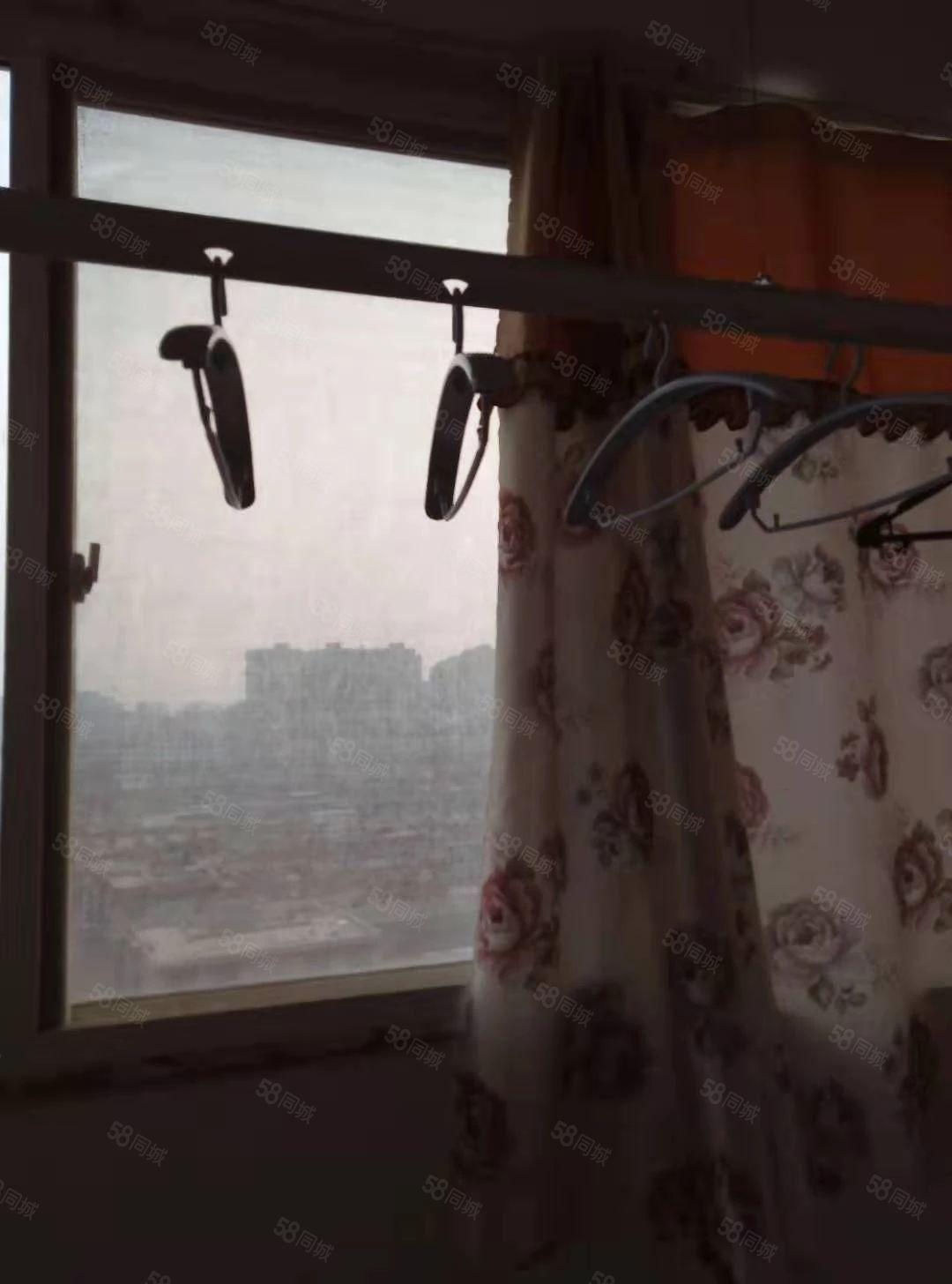 稻香路,金苑小区,1室1厅1厨1卫,带简单家电