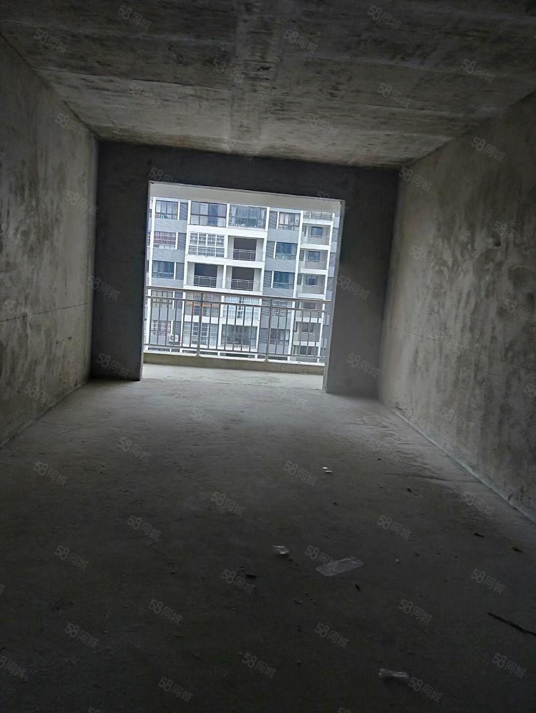 亿嘉房产中介峰邻天下3室2厅2卫毛坯房出售39万
