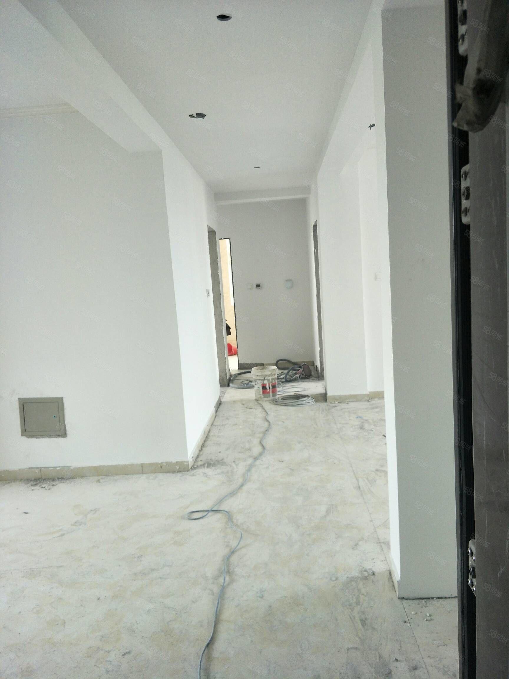 利津翰林福邸十二楼精装修带车位地下室可改合同贷款十月份交钥匙