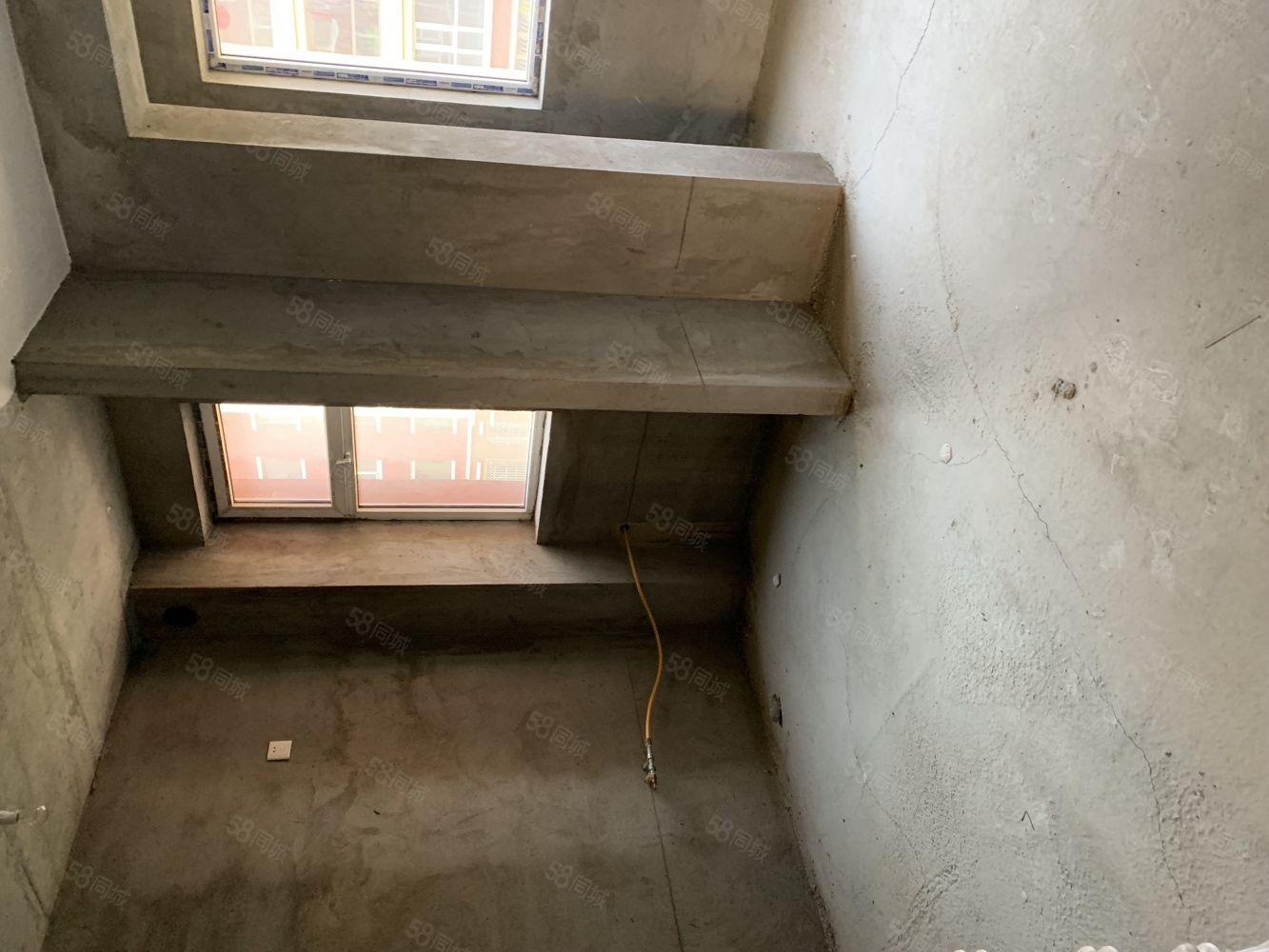 家和苑小區一樓84平米有手續地下室小戶型大風景