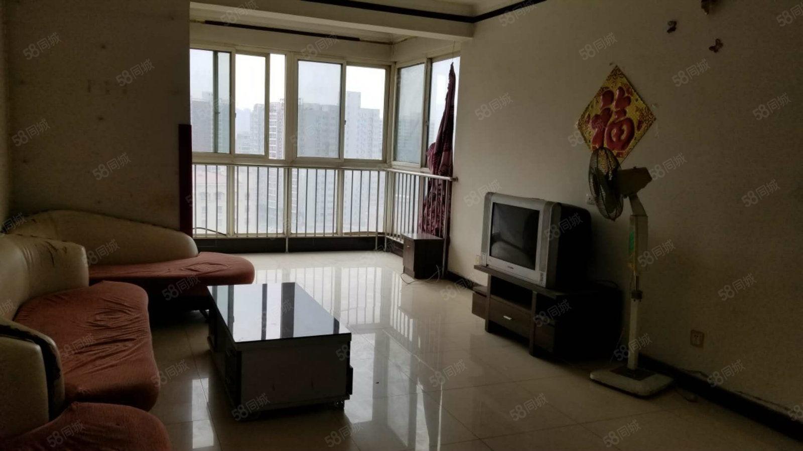 世纪大道启迪中学附近3室房只租1400(佳境天城)带家具