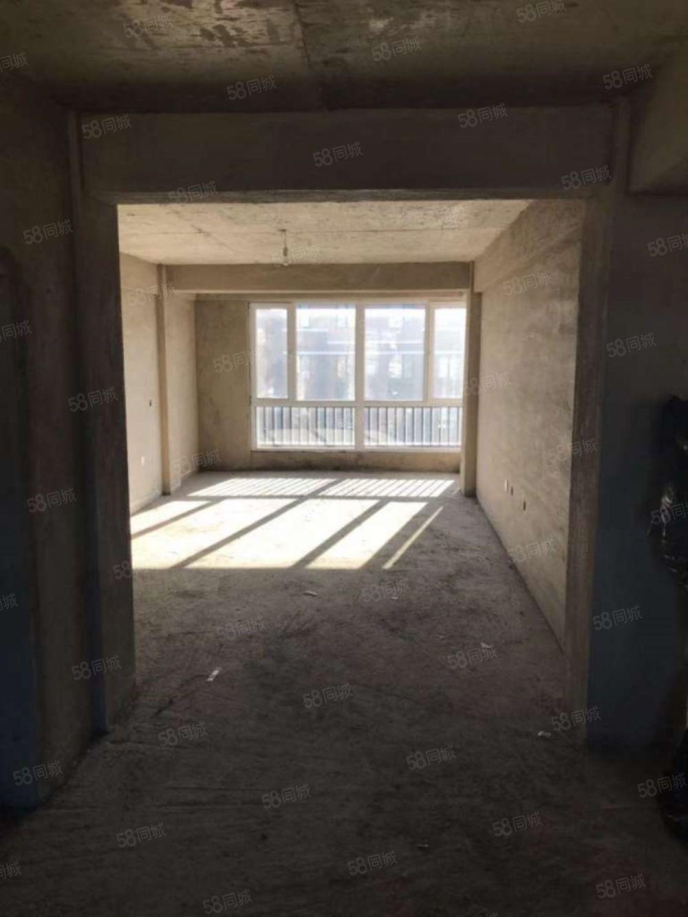 毓水蓬莱三期5楼89平南北通厅直接更名两室两厅