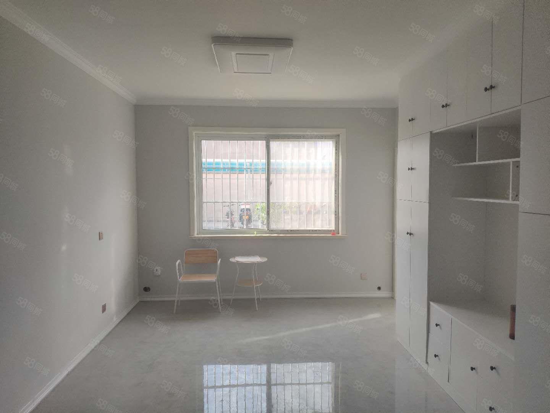 旭日华庭精装两室,一楼,适合办公居住,做美容,有钥匙看房联系