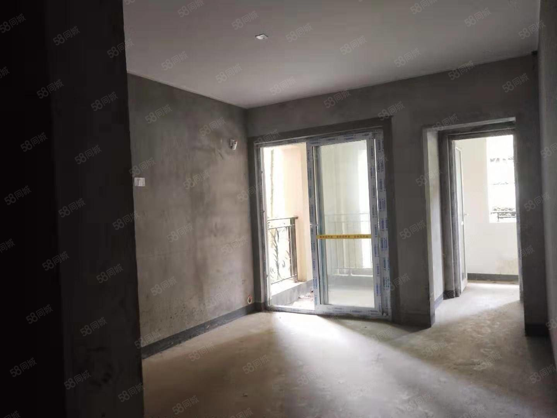 毛胚价金科丶电梯房84.87平米,清水三室63万