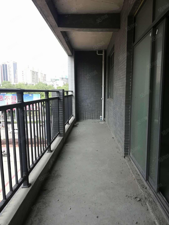 黔龙新城3是2厅1厨2卫套房出售外带80平方大?#25945;? /><p><span class=