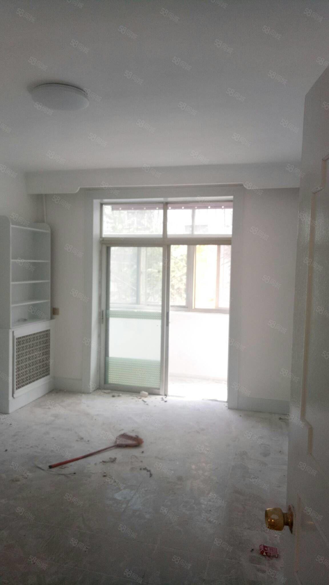 棉麻宿舍,2楼,两室两厅,可做三室,南北通透,老证精装地下室