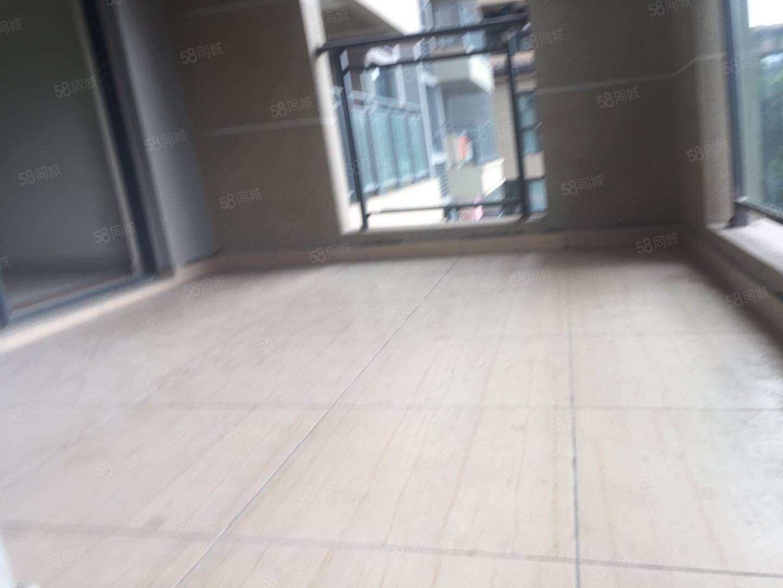 碧桂园生态城两房带10多方的大阳台首付只要16万