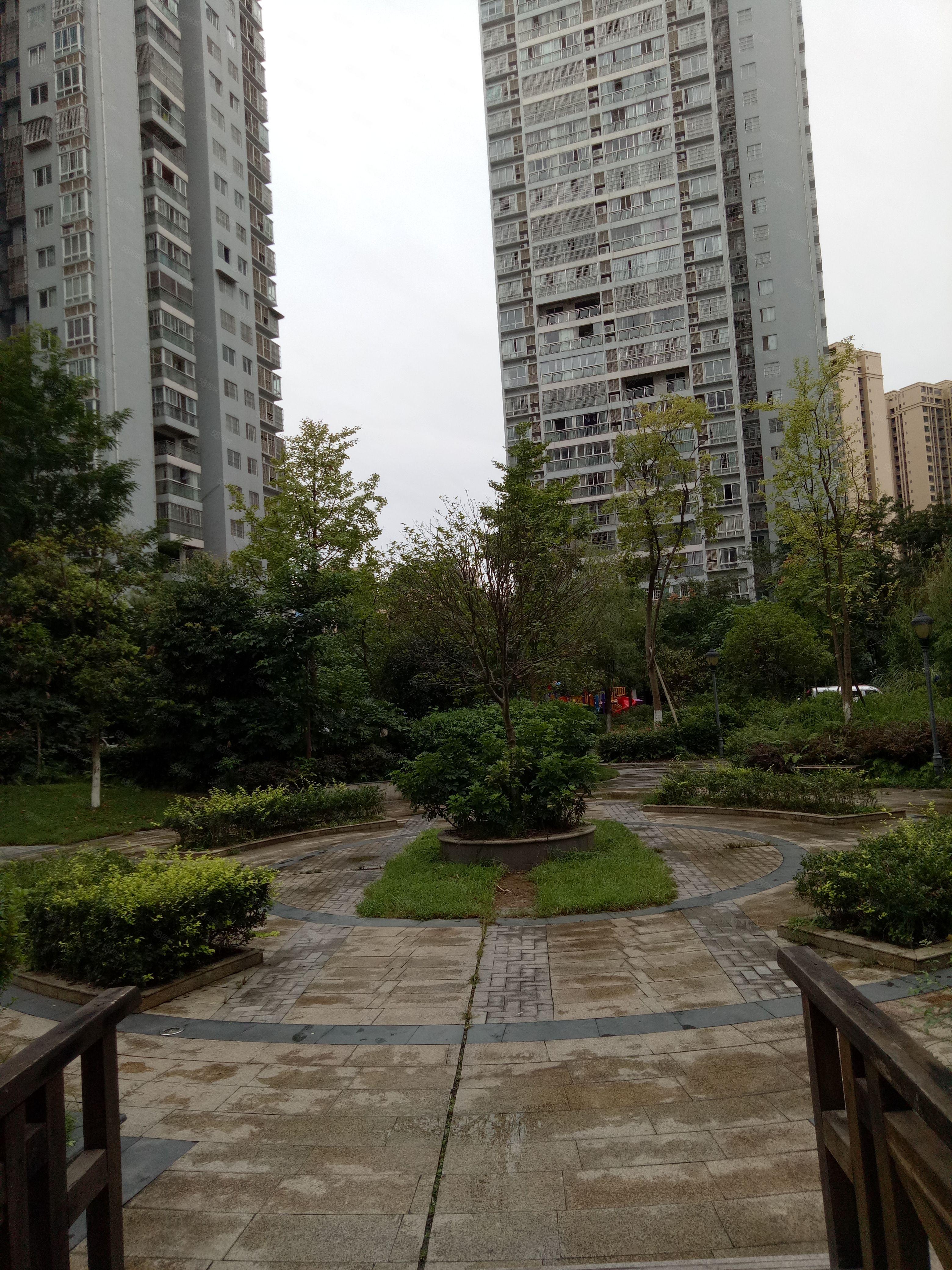 河东万达旁要空房注意东城一品装修大三房空房