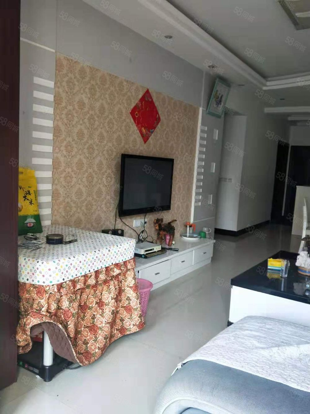 万峰郡府两室两厅一卫精装修房屋带家具家电打包出售