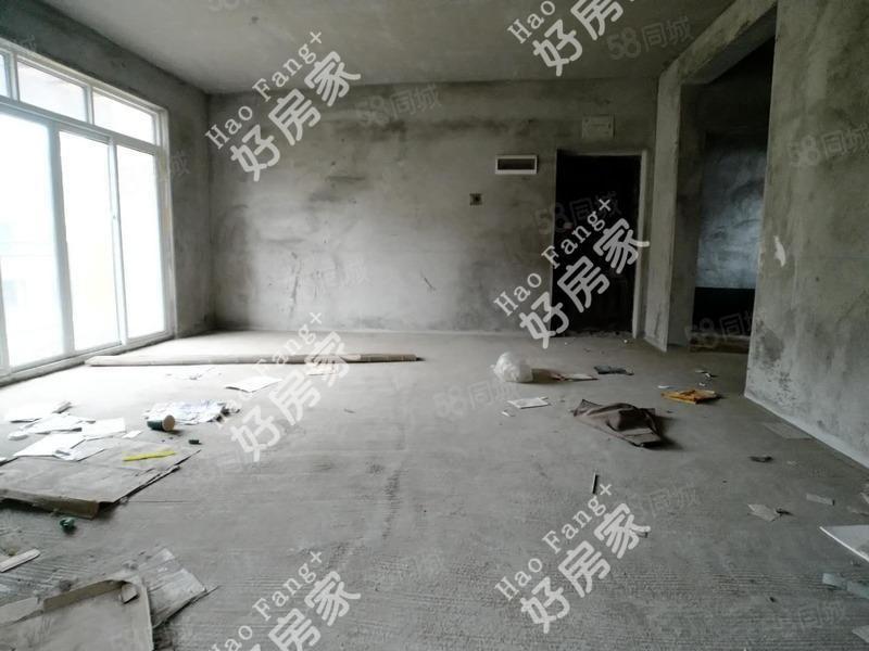 單價4900買卡斯迪亞一梯兩戶洋房可按揭誠心急售有鑰匙