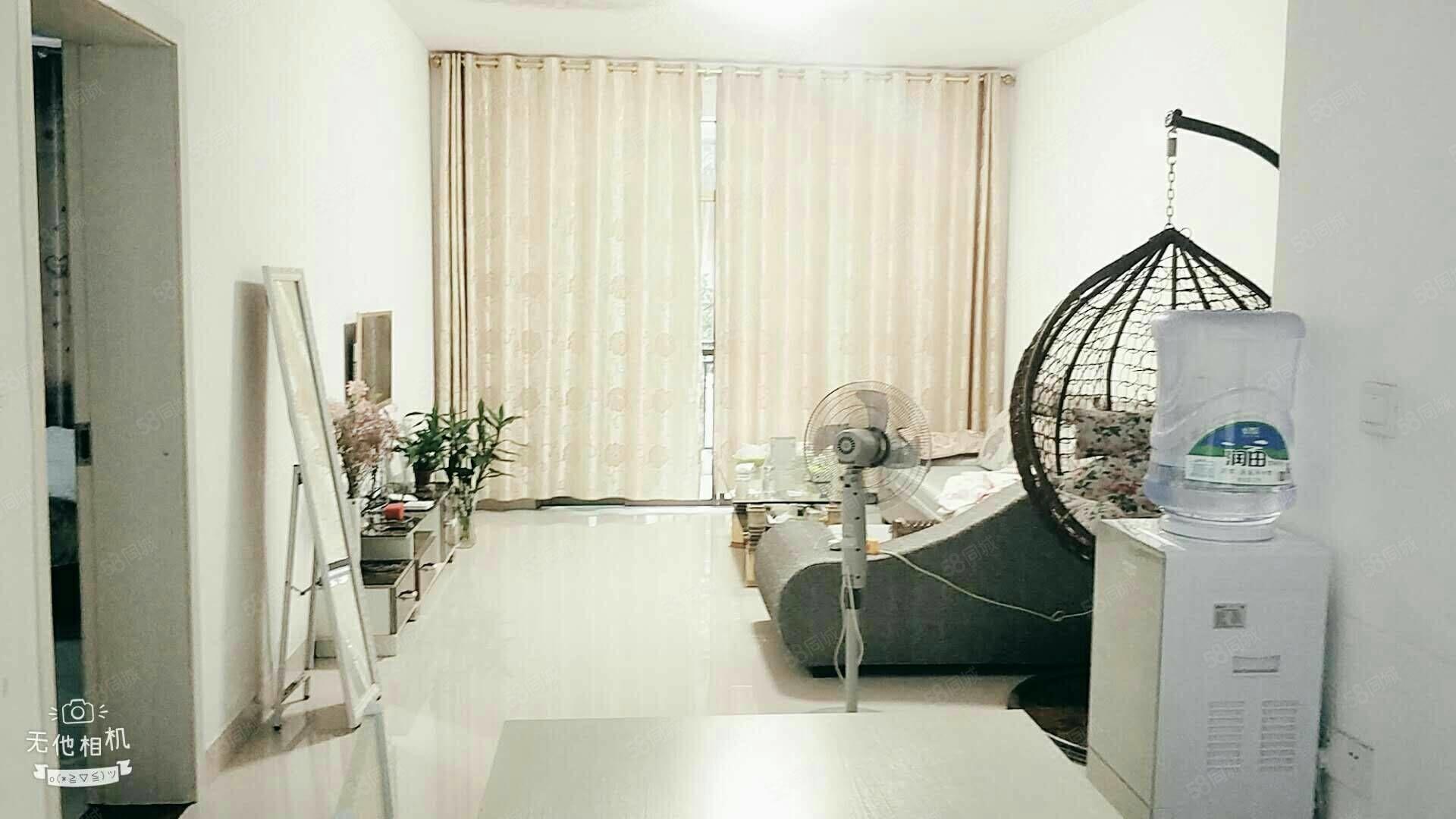 锦绣花园旁,花园小区,温馨舒适小3房!5360一平米,价低!