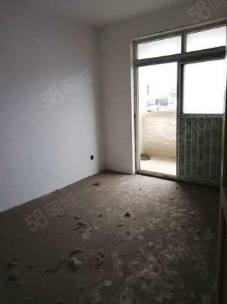 阳光小区不可多的小户型毛坯房两室证满五支持按揭