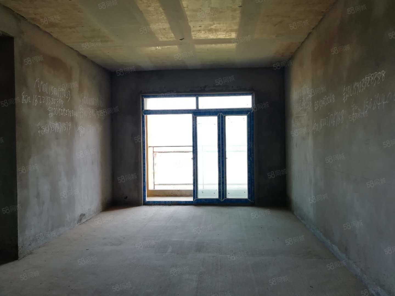香山公馆清水3房2卫,视野开阔,户型方正,采光很好