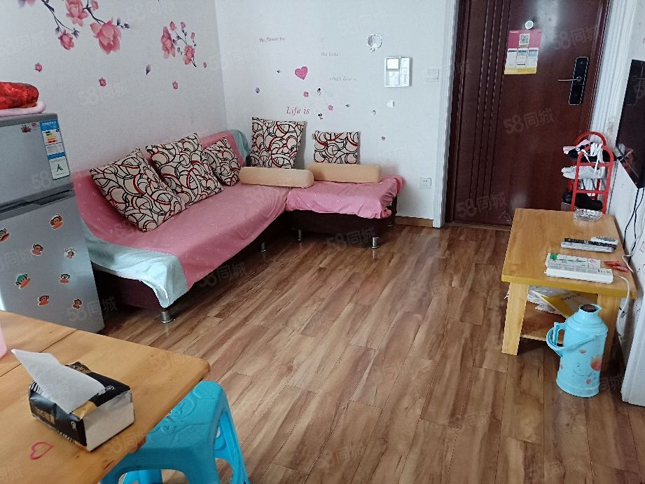 城西住家精装修1室看房子方便业主诚心便宜出租