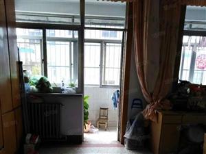 君乐小区好楼层三室两厅带储藏室环境优美出行方便
