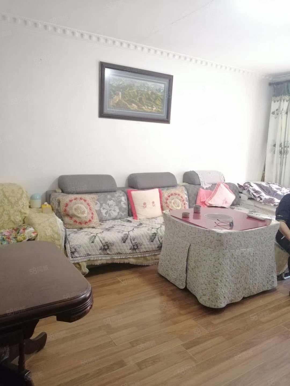 3小惠丽佳园步梯3房2卫出售,产权清晰,关门卖,随时看房