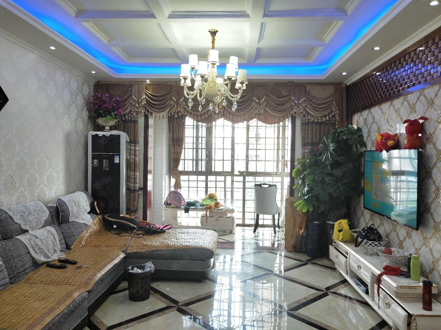 西湖逸品觀湖房,全品牌家具家電。居家舒適上學方便。