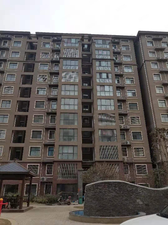 电梯毛坯房125平3室2厅2卫带大平台