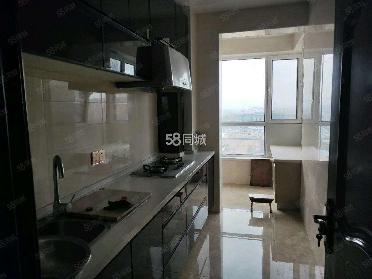 高铁站附近天瑞小区三室高层出租精装修家具齐全有家电拎包