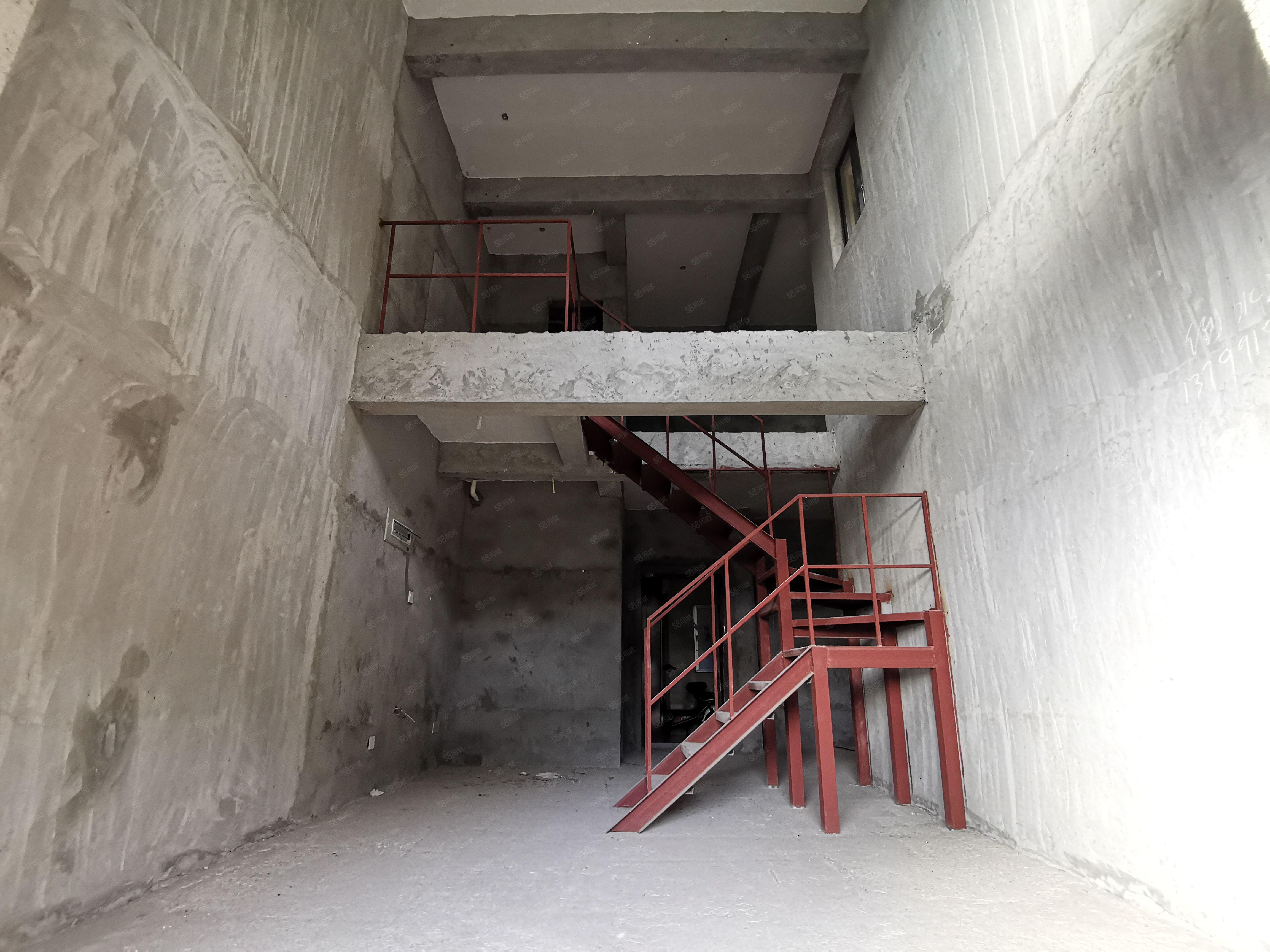 翡翠城毛坯三房使用110平方僅售95萬