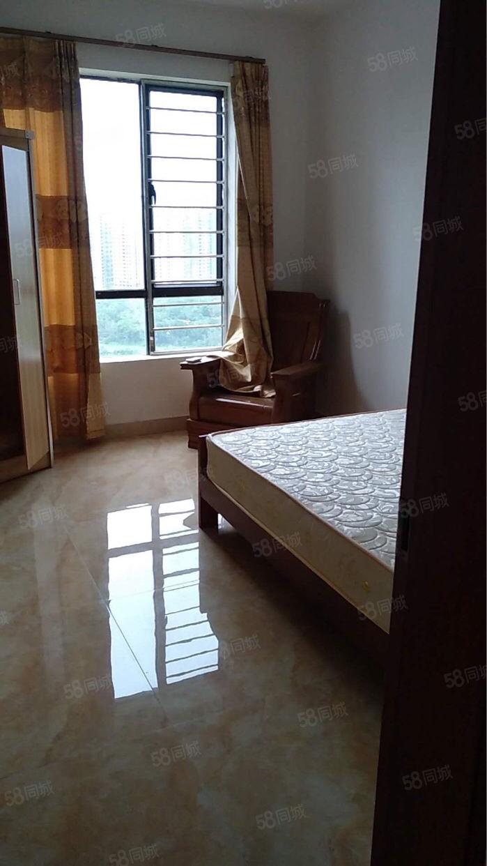 龙熙山118方,3房,齐全,向东南,中层,2500元一个月