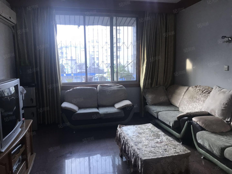 出售新华街繁华地段汇丰公寓一套住房出售