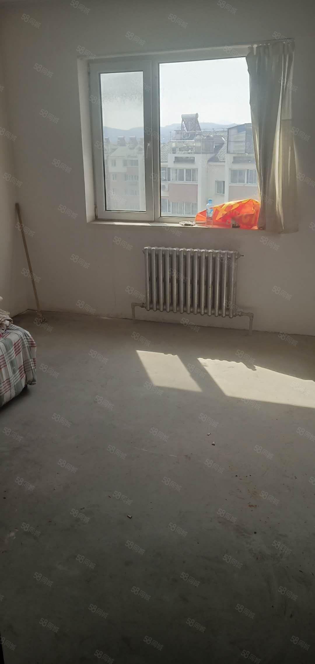 517不动产售龙泽B区急卖清水房价格可议低首付