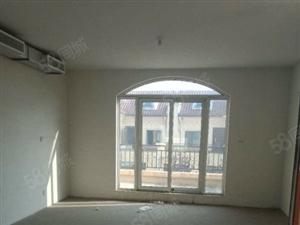 漫山香墅别墅出售270平方三层。